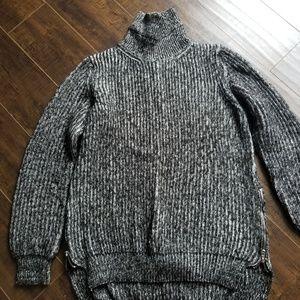 Zara Knit Black & White Turtleneck High Low Sweat